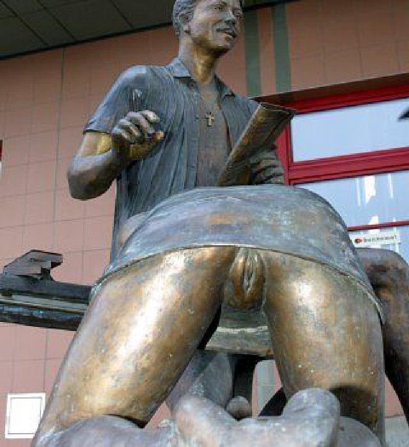 памятник безымянной проститутке