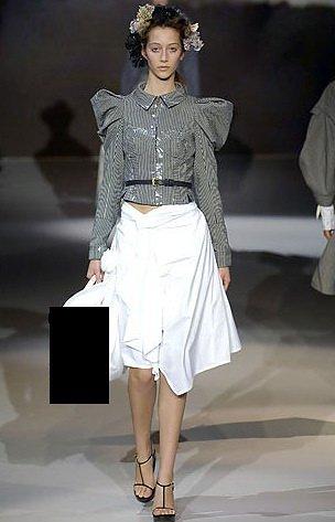 122769ba9f38 Стоимость одной сумки Louis Vuitton RWB варьируется в пределах 2-3 тысяч  долларов: Модные сумки от Louis Vuitton (6 фото)